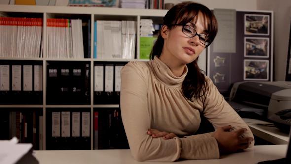 Liva Secretary 06