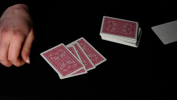 Poker shuffle after every hand baccarat shoe