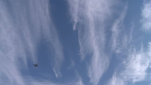 VideoHive Plane Descending From The Clouds 8 Of 11 10844578
