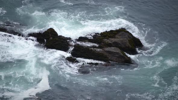 VideoHive Waves Crashing On Rocks Big Sur 1 10976091