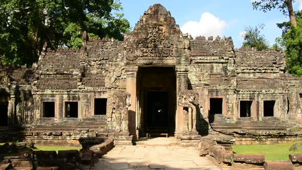 Grand Entrance To Abandon Temple Angkor Wat Temple Cambodia 2