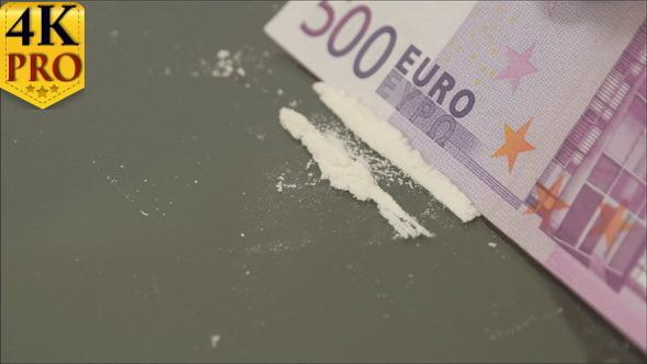 500 Euro Paper Bill Cut the White Powder into Line
