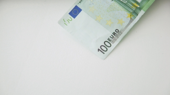 100 Euro Paper Money Bank Notes