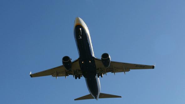 Jet Plane 737 Approaching Landing