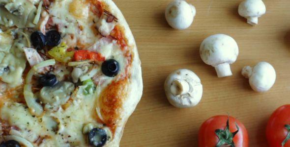 Rotating Pizza 1