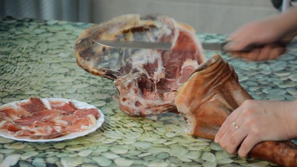 Cutting Ham At Speed