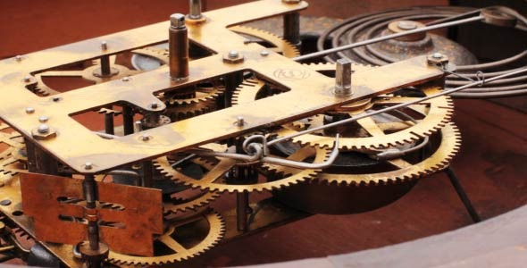 The Mechanism Of The Old Clock 7