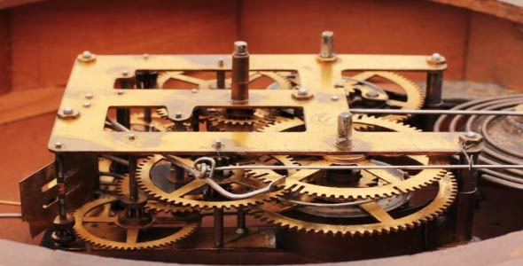 The Mechanism Of The Old Clock 11