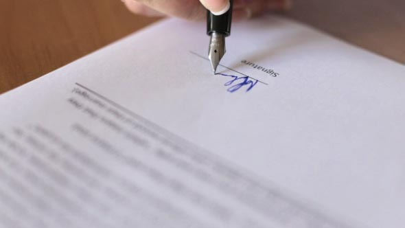 Signing Business Contract