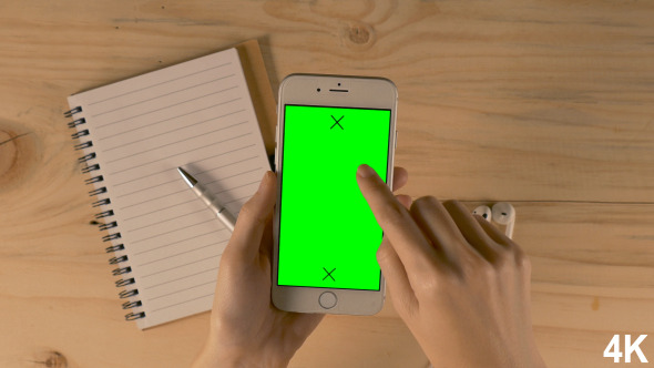 Using Smartphone With Green Screen