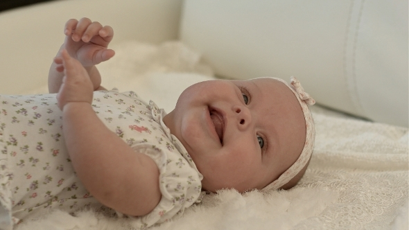 VideoHive Happy Baby on the Bed 11922277