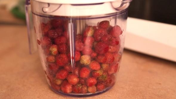 Strawberry's Preparation In Mixer