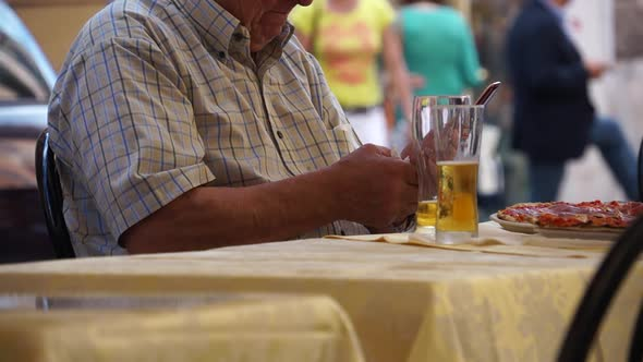 Scenes Of People Eating In Rome 3 Of 5