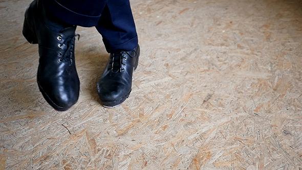 Feet In Irish Dancing Step Shoes
