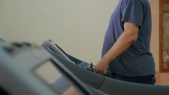 VideoHive Treadmill Workout In The Gym 12072311