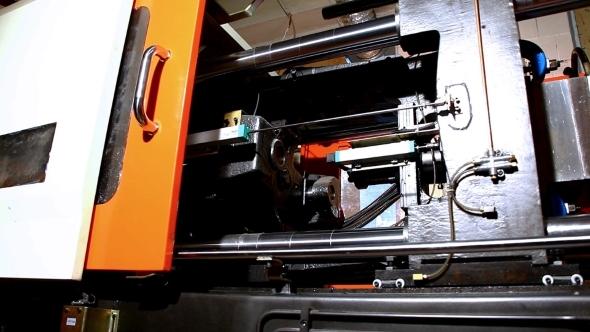 VideoHive Squeeze Molding Machine Prepare Hot Polyethylene 12157849