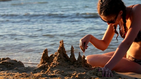 VideoHive Castle On The Beach Made From Sand 12158305