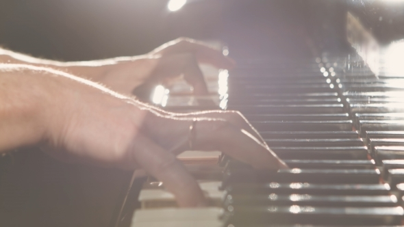 VideoHive Playing Piano Dramatic Light 12163828