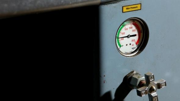VideoHive Industrial Pressure Barometer At Work 12164867
