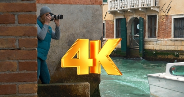 VideoHive Photographer Working By The Canal In Venice 12166335