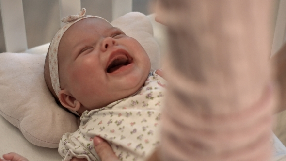 VideoHive Baby Crying On The Bed 12175553