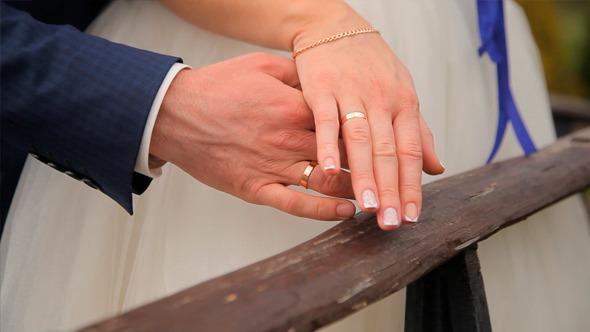 VideoHive Wedding Rings Newlyweds 12187219