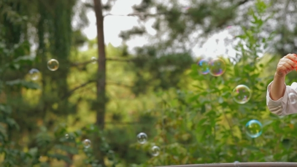 VideoHive Soap Bubbles In A Park 12202064