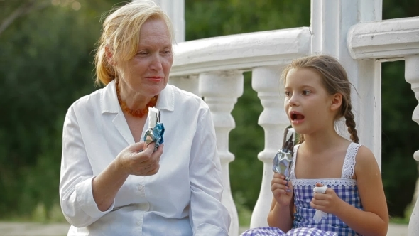 VideoHive Eating Ice-Cream In A Park 12202567