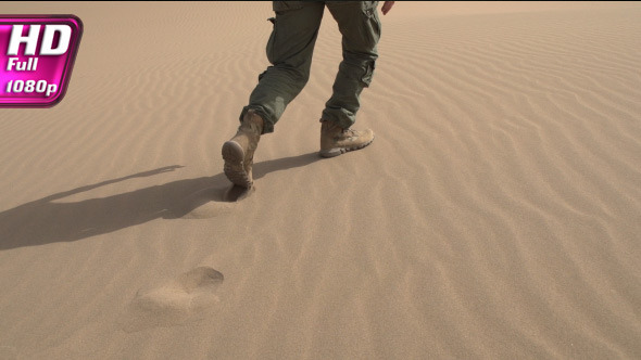 VideoHive Soldier Moves on Dunes 12209640