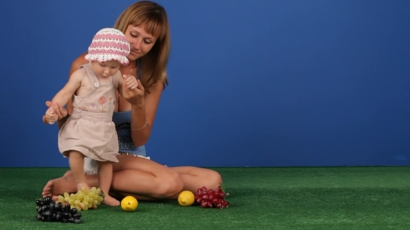VideoHive Mom And Baby Daughter 12212759