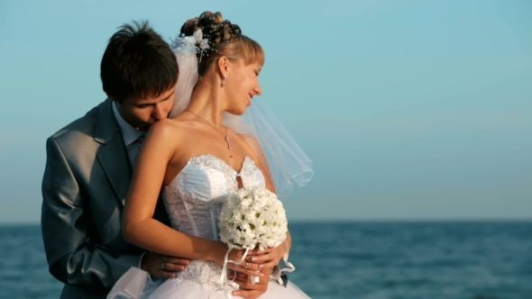 VideoHive Kiss By The Sea 12223441
