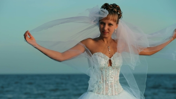 VideoHive Bride On The Sea 12229287