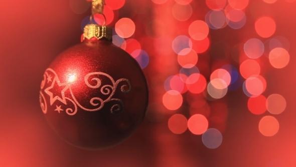 Christmas Ball Rotates
