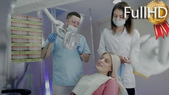 Девушка у двух врачей видео фото 678-184