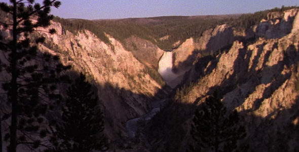 Yellowstone Falls Scenic