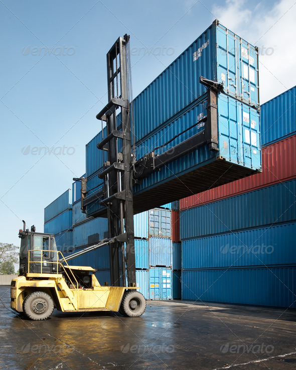 forklift lifting container