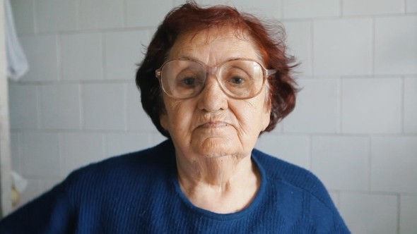 Download Portrait Of Grandmother With Glasses nulled download