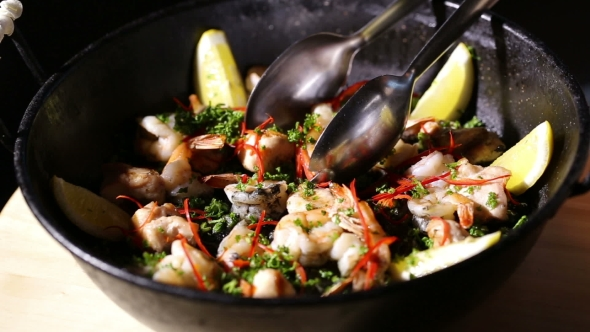 Download Tasty Spanish Dish Paella nulled download