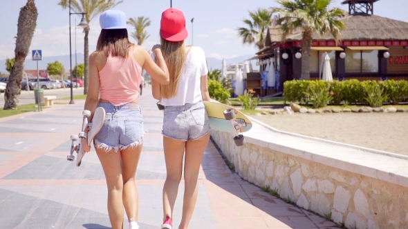 Young Friends In Shorts With Skeittilaudat - People Arkistofilmit