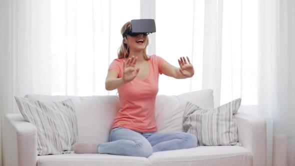 Nainen Virtual Reality Kuulokkeet Tai 3d lasit 22 - People Arkistofilmit