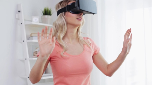 Nainen Virtual Reality Kuulokkeet Tai 3d lasit 17 - People Arkistofilmit