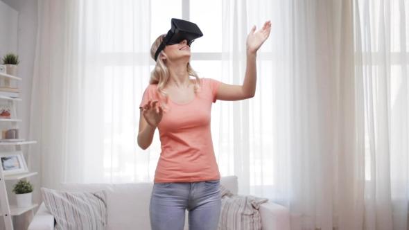 Nainen Virtual Reality Kuulokkeet Tai 3d lasit 33 - People Arkistofilmit
