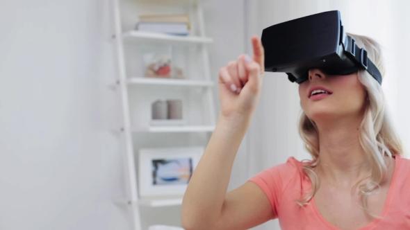 Nainen Virtual Reality Kuulokkeet Tai 3d lasit 13 - People Arkistofilmit