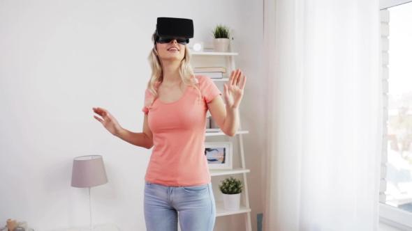 Nainen Virtual Reality Kuulokkeet Tai 3d lasit 37 - People Arkistofilmit