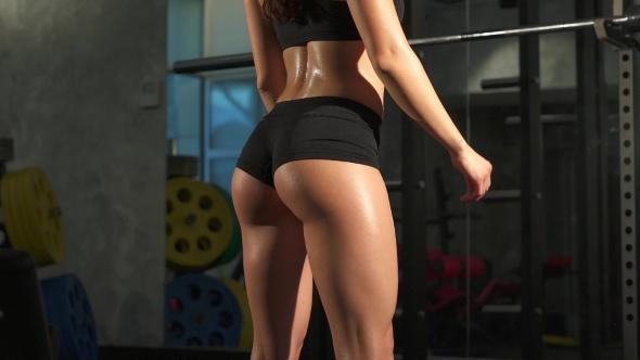 Perfect body brunette ass shake bbc