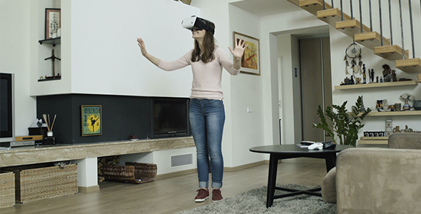 Download Girl Acting In Virtual Reality World nulled download