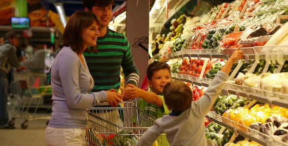 VideoHive Family In Supermarket 1693666