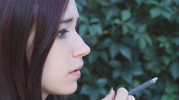 Download Woman Smokes nulled download