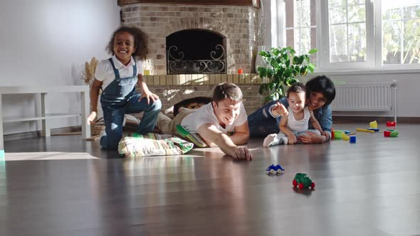 Download Family Playing with Cars nulled download