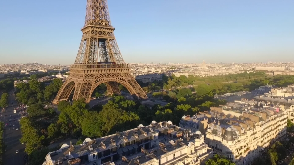 Download a Top View Of The Eiffel Tower nulled download